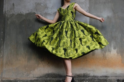 sukienka odcień zieleń